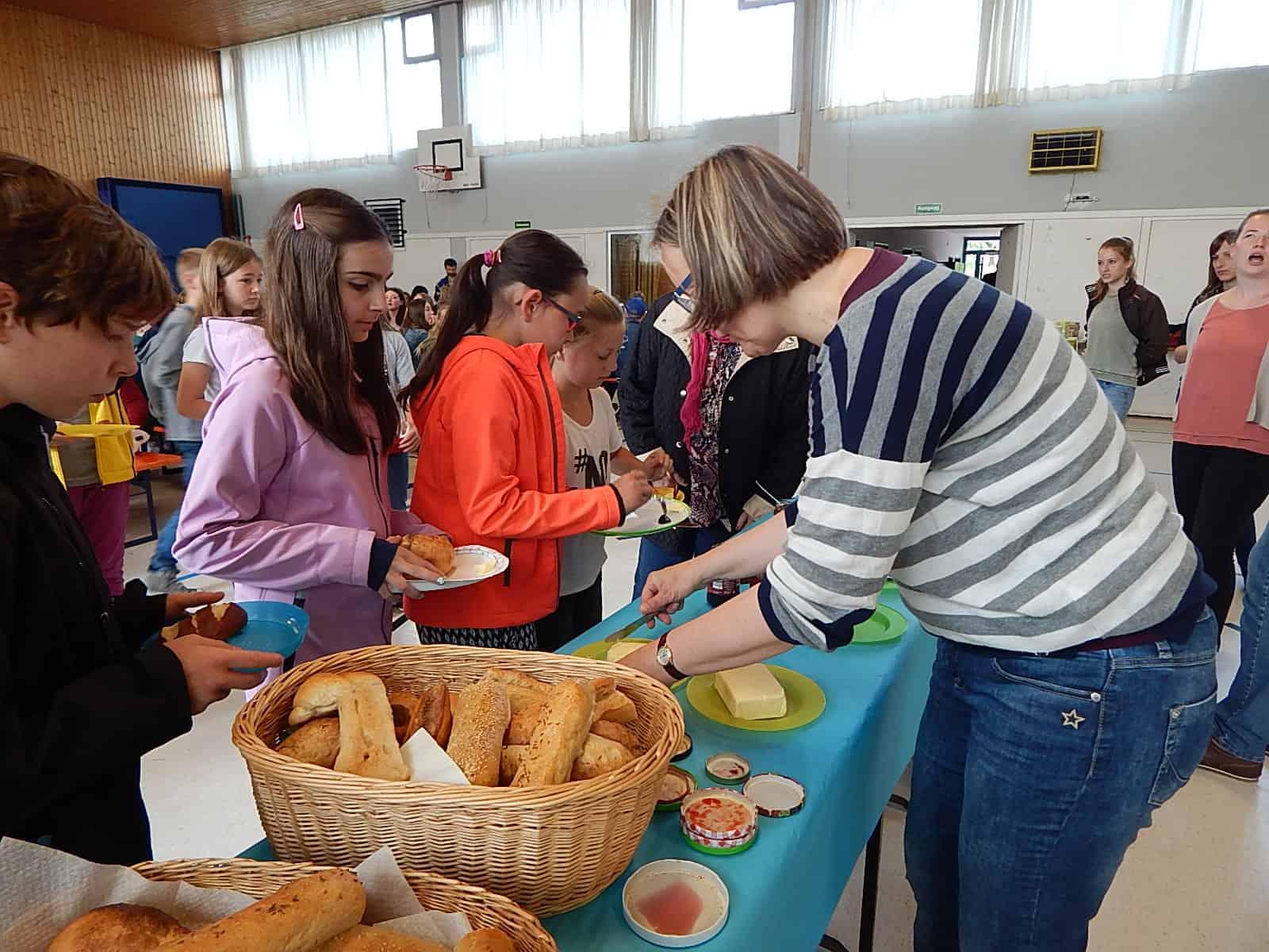 Regionales Frühstück am Progymnasium