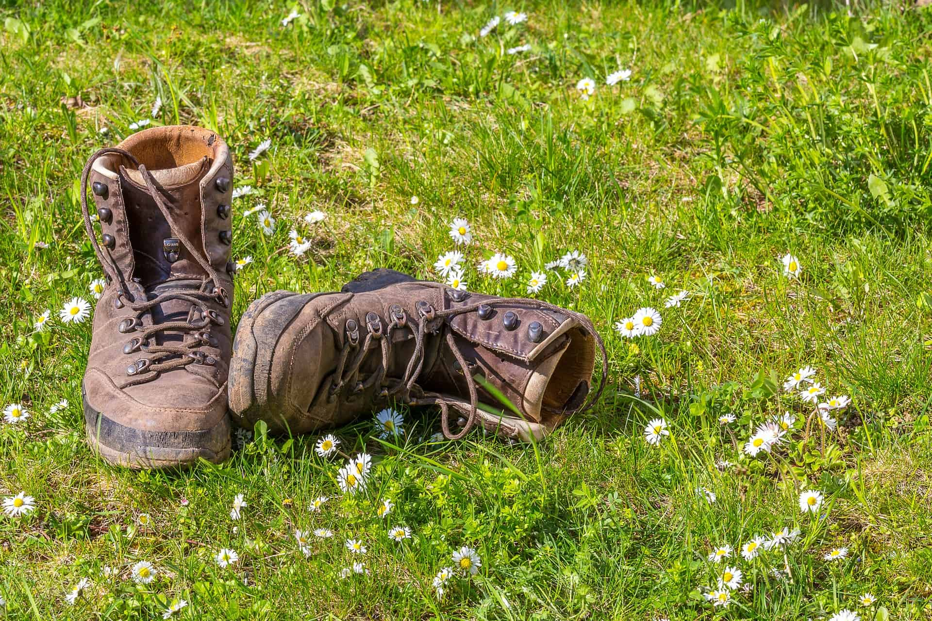 hiking-1312227_1920