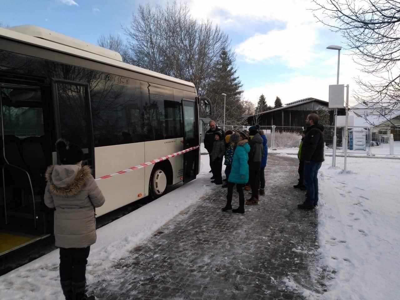 Sicher auf dem Schulweg – Bussicherheitstraining in Klasse 5