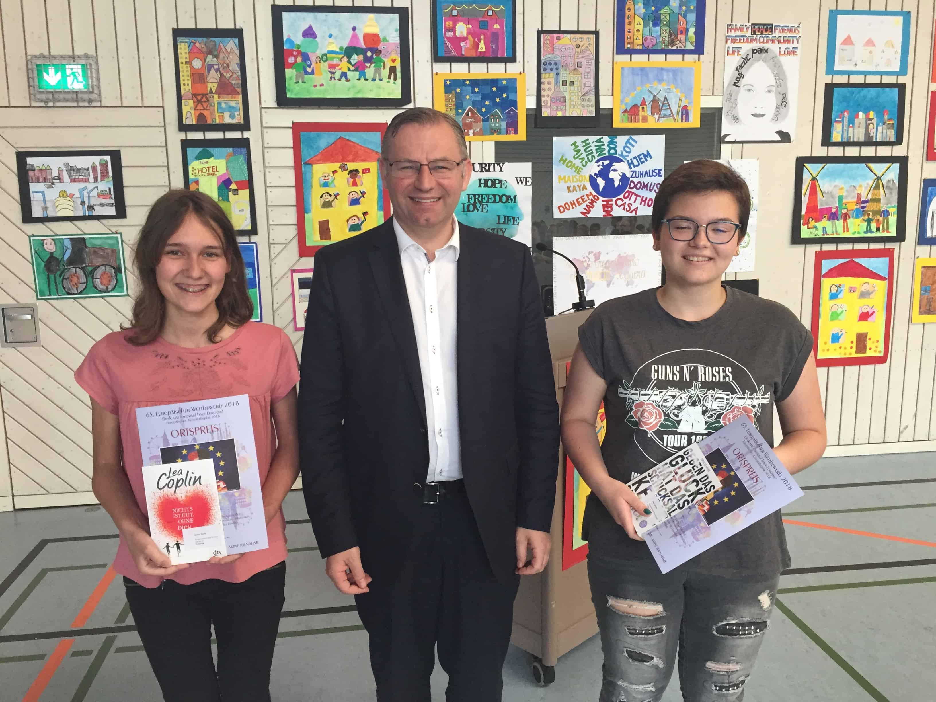 Marisa Sauter und Daria Wölfle gewinnen Ortspreis beim  65. Europäischen Wettbewerb