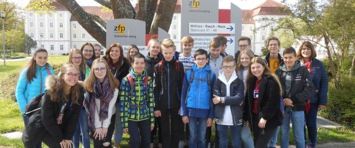 Suchtprävention – AchtklässlerInnen zu Gast am ZfP Südwürttemberg in Bad Schussenried